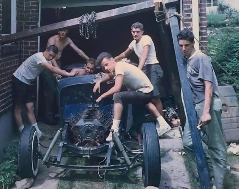 "Hot rod in street - Vintage pics - ""Photos rétros"" -  - Page 7 16870910"