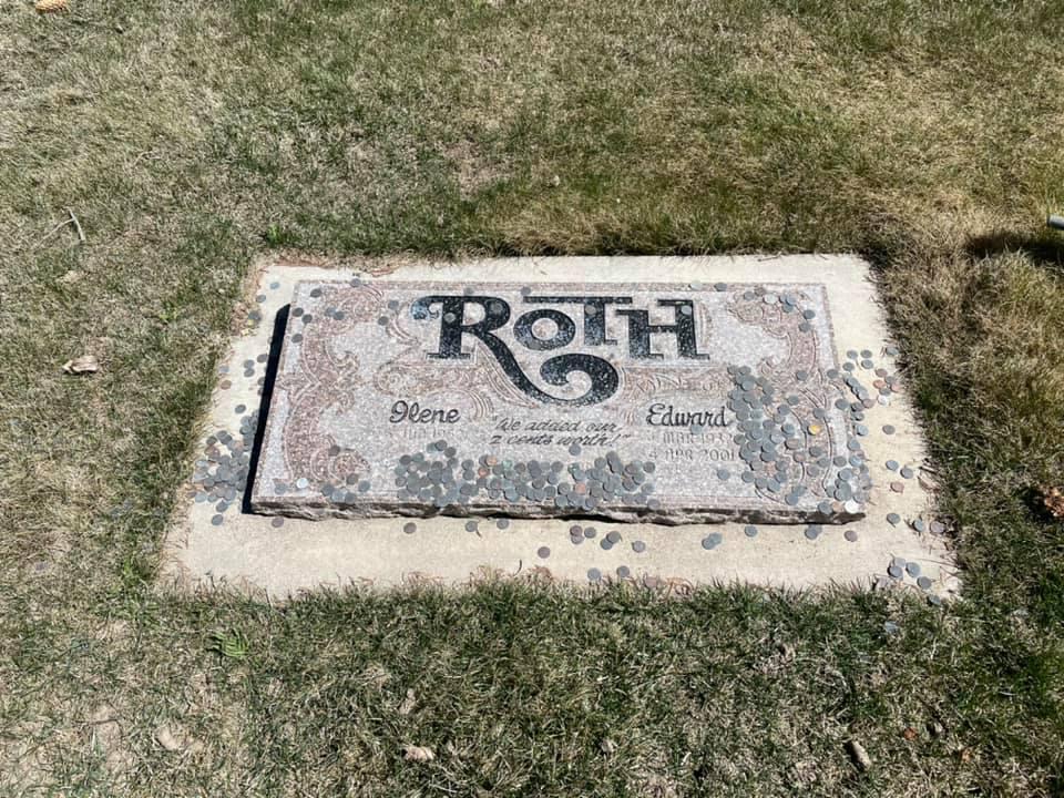 Tombe de Ed Roth 16906210
