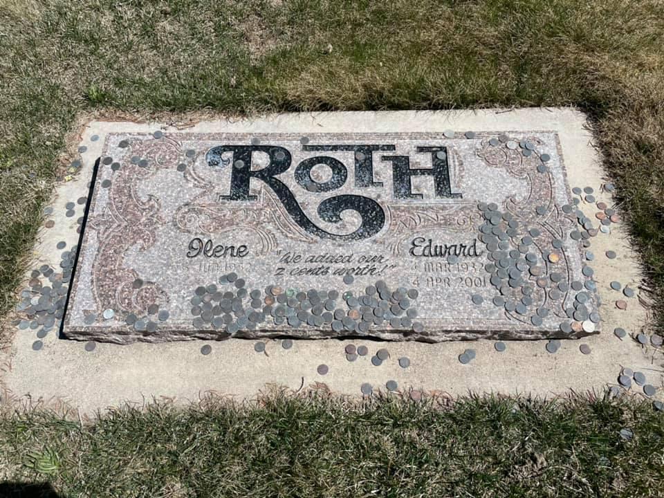 Tombe de Ed Roth 16915110