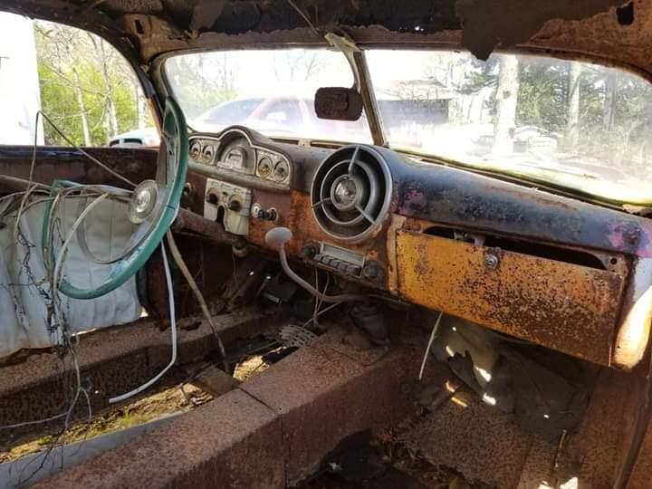Survivor custom car retrouvé dans l'Alabama 16945810