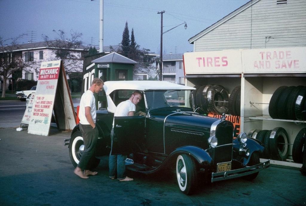 "Hot rod in street - Vintage pics - ""Photos rétros"" -  - Page 7 16982310"