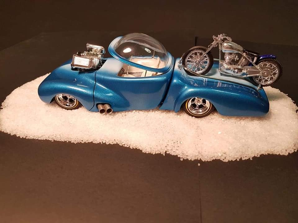 Lil bike hauler with bubble top 1940  Ford coupe amt by Lee Goode 17001710