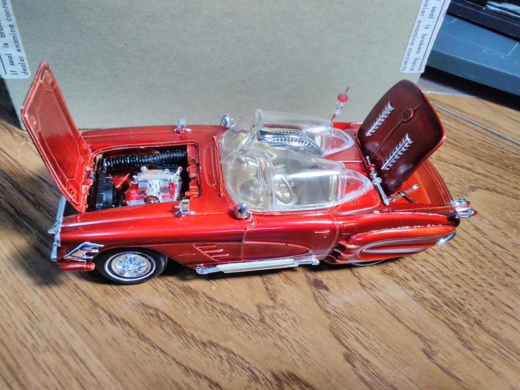 1961 Chevrolet Corvette Convertible - Amt customizing kit  17049710