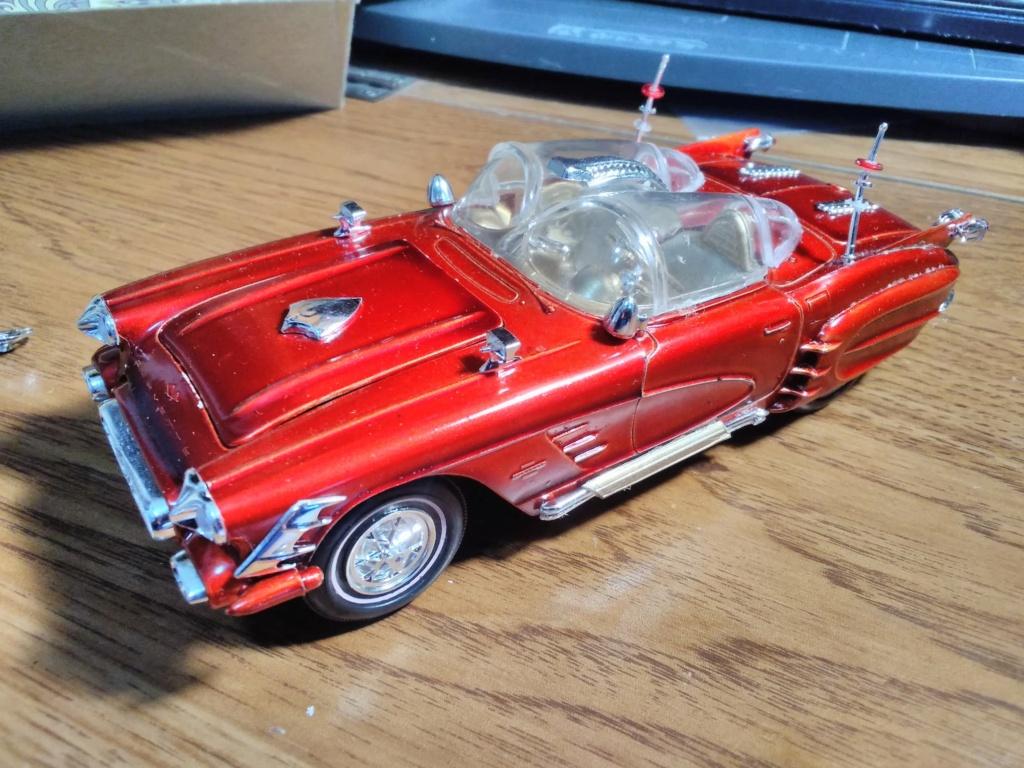 1961 Chevrolet Corvette Convertible - Amt customizing kit  17237110