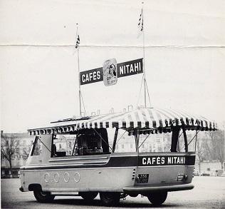 Renault Tirbois Charbonneaux - camion publicitaire Café Nitahi - Tour de France 1953-p10