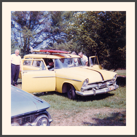 fifties & early sixties cars in situation - Vintage pics - Page 3 19_sur10