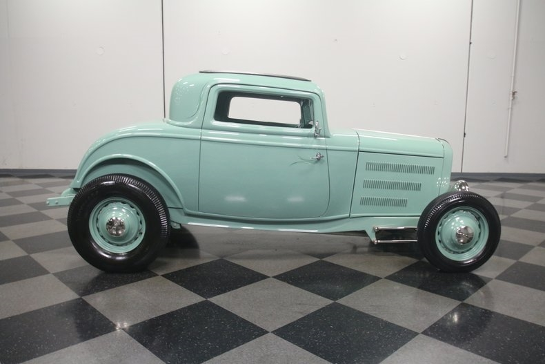 1932 Ford hot rod - Page 14 20181237