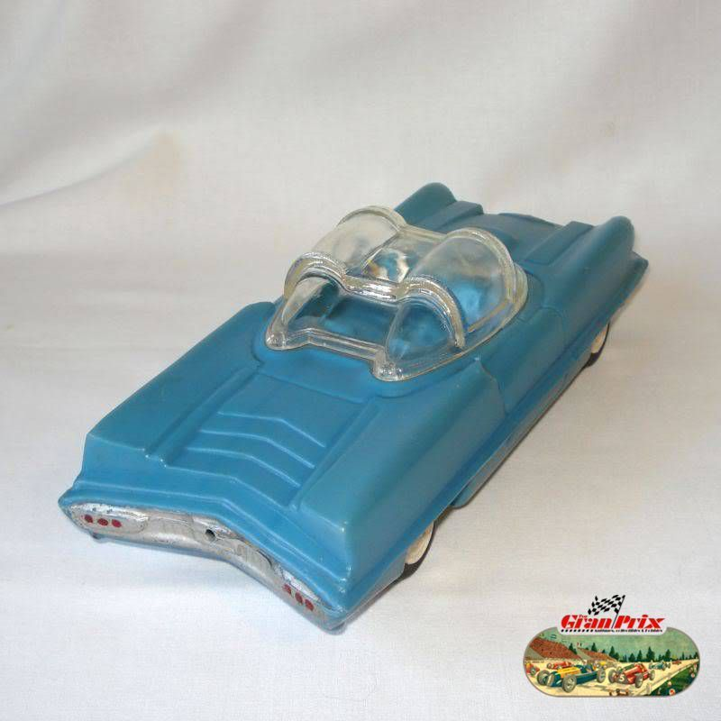 "1950's UNUSUAL LINCOLN FUTURA FUTURISTIC AUTOMOBILE PLASTIC TOY CAR  (LONG 11"")- MADE IN ARGENTINA BY 33C0 217"