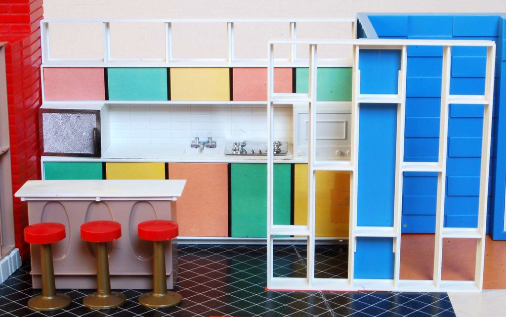 Debbie's Dream House - plastic mid-century mod showplace from Marx Toys - 1963 23495810
