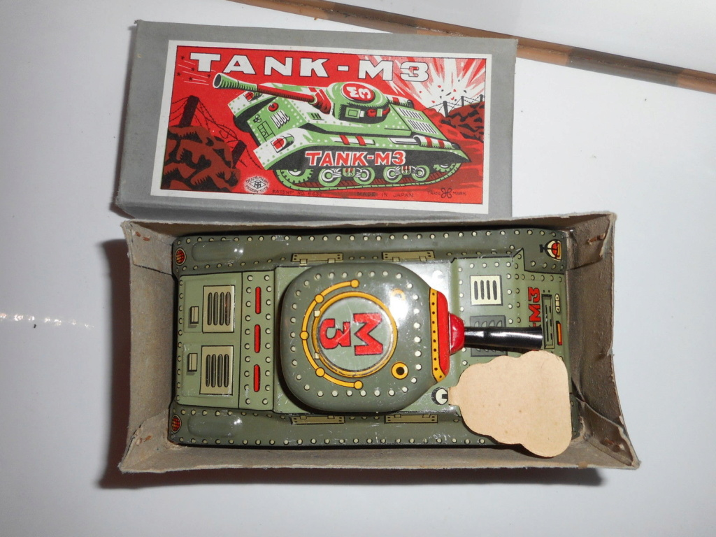 Tank-M3 - Modern Toys -  Made in Japan - Tin toys 60s 2915
