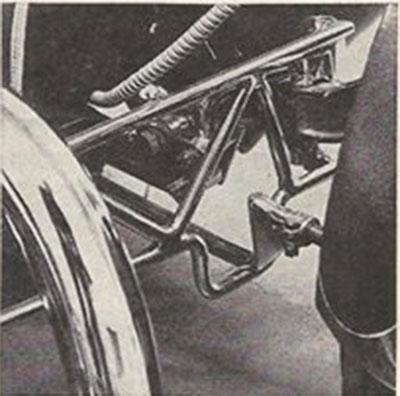 John Burnes, The Manta Ray - 32 Ford radical show rod Bat - Toronto, Ont. Car Craft, Jul 1963 2bat10