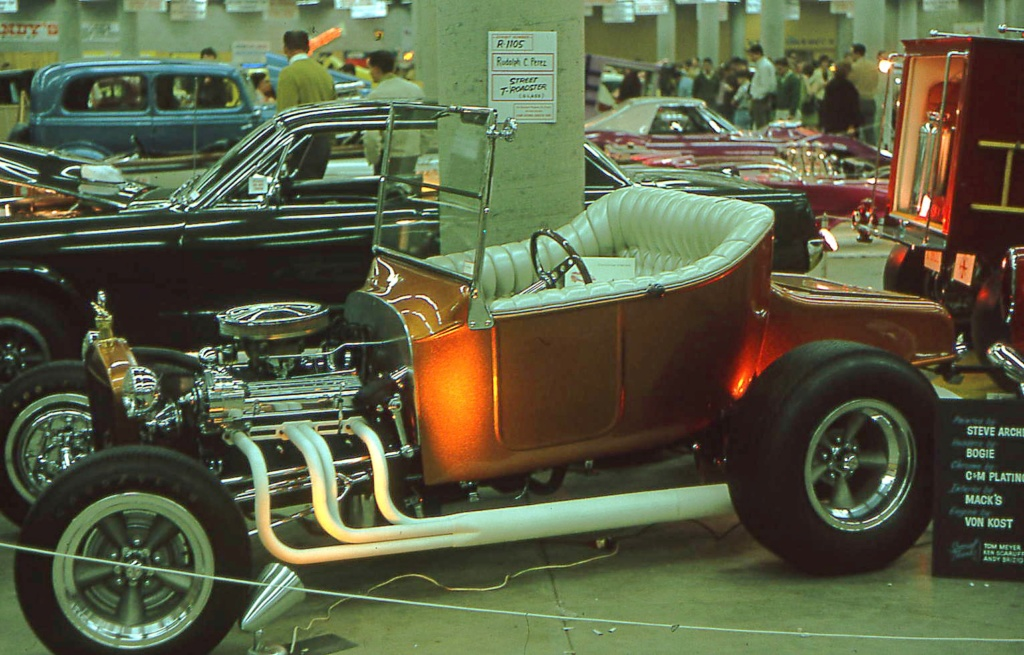 Grand National Roadster Show of the 70's - Page 3 32-gra10