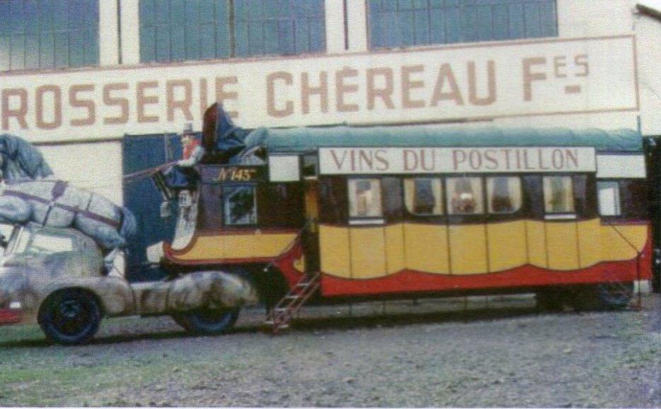 Berliet TLB Vins du Postillion - Tour de France - caravane publicitaire 32295610