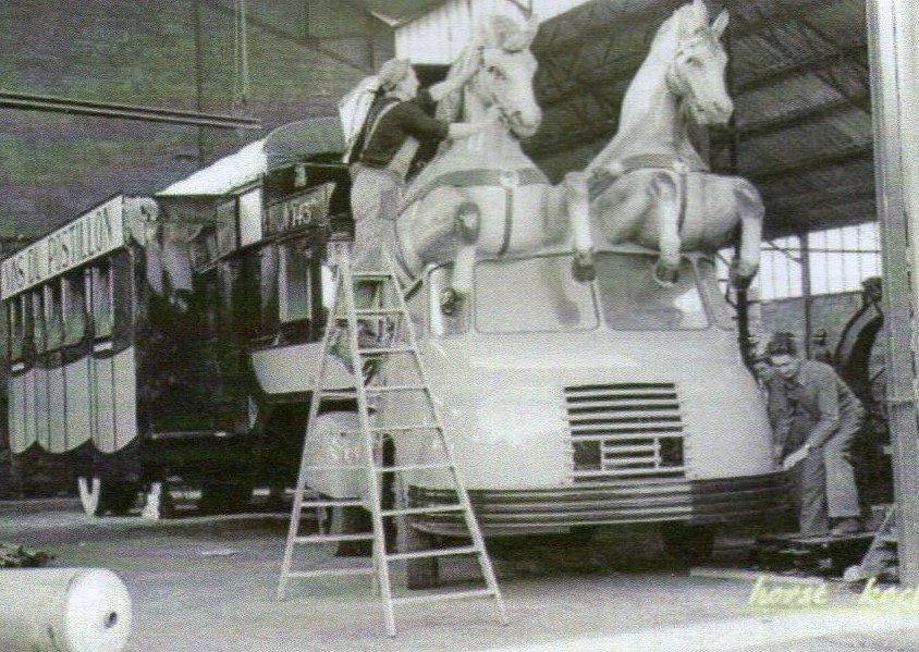 Berliet TLB Vins du Postillion - Tour de France - caravane publicitaire 32295613