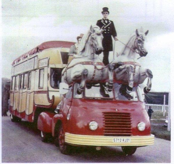 Berliet TLB Vins du Postillion - Tour de France - caravane publicitaire 32684610