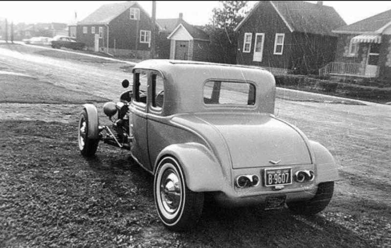 "Hot rod in street - Vintage pics - ""Photos rétros"" -  - Page 6 32927010"