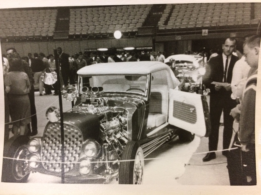 Vintage Car Show pics (50s, 60s and 70s) - Page 21 33294110