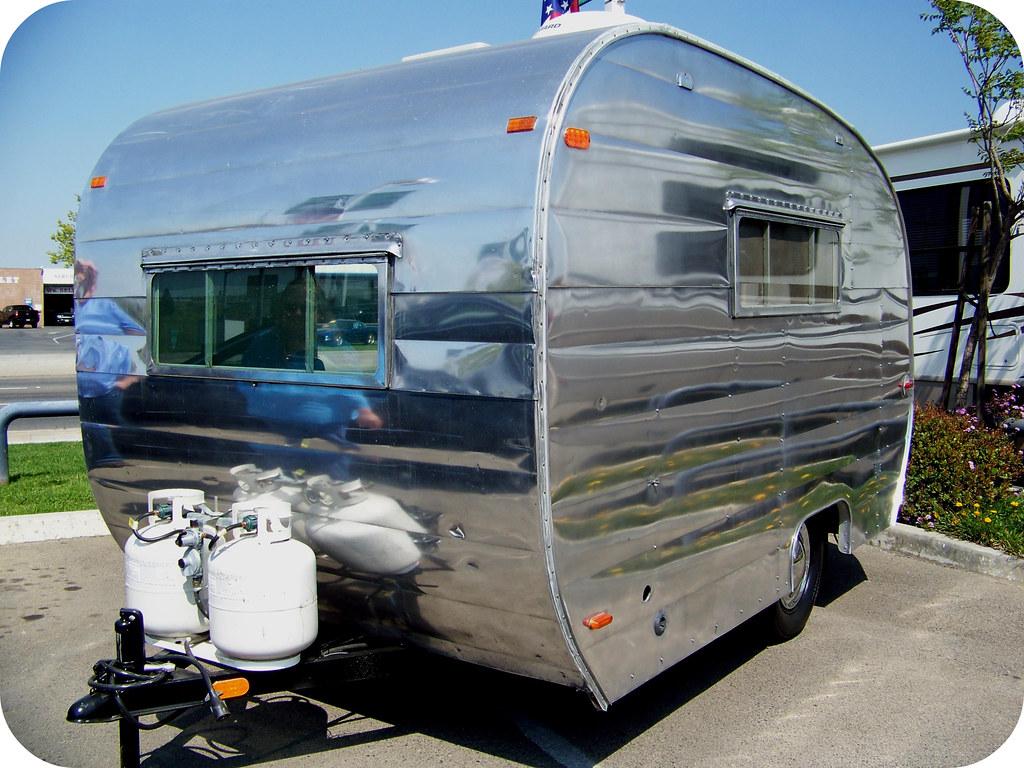 lakewood trailer 33738910