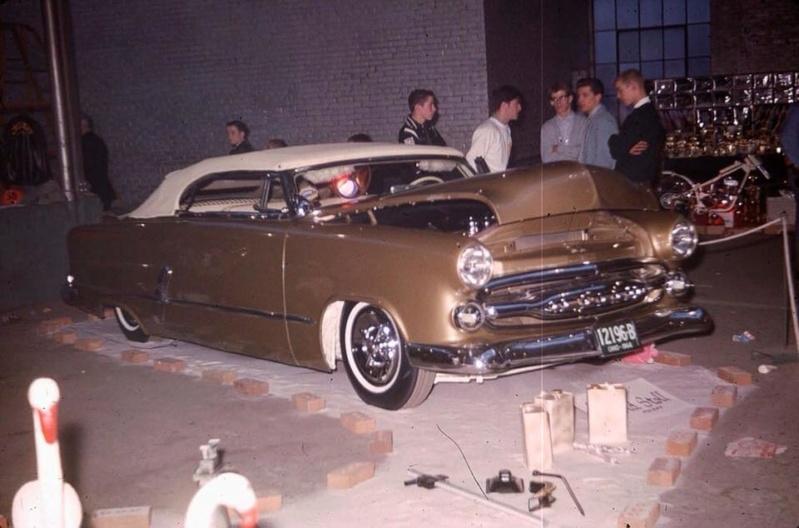 Vintage Car Show - Page 20 36666110