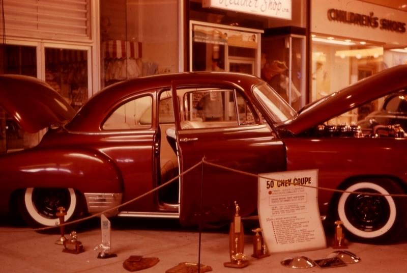 Vintage Car Show - Page 20 36694710