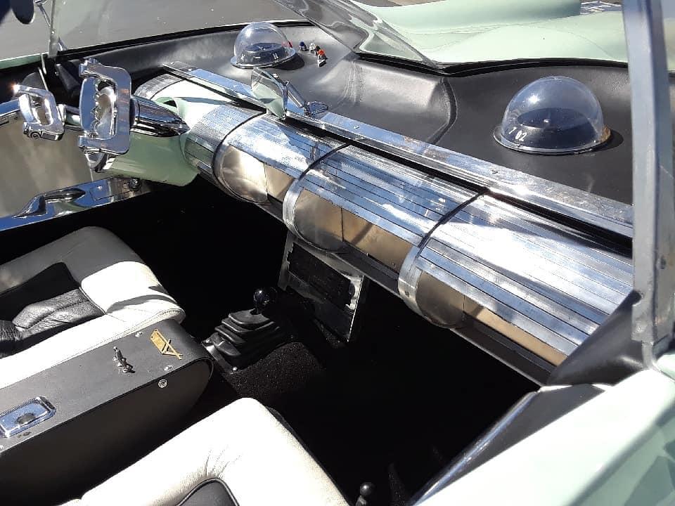 Lincoln Futura replique - Gotham Garage 41952210