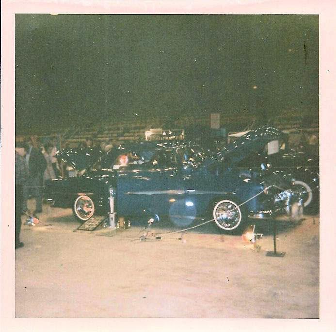 Vintage Car Show - Page 21 45022110