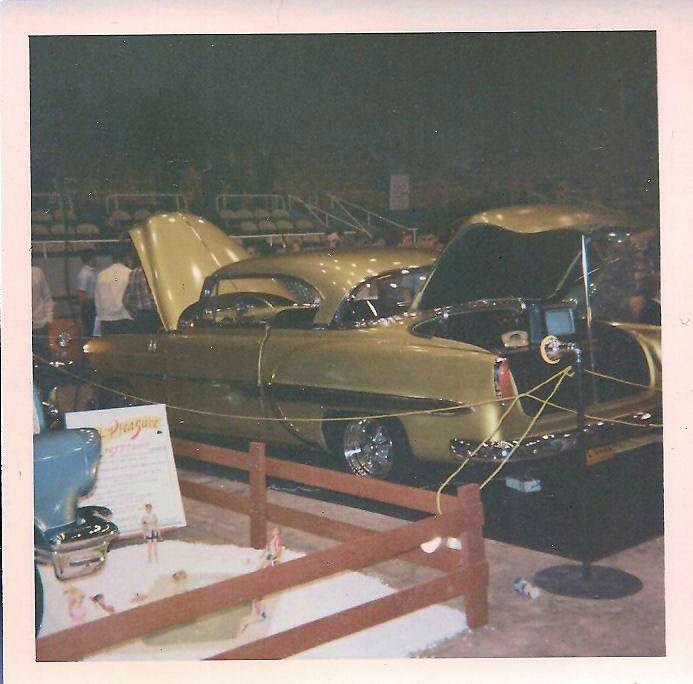 Vintage Car Show - Page 21 45023210
