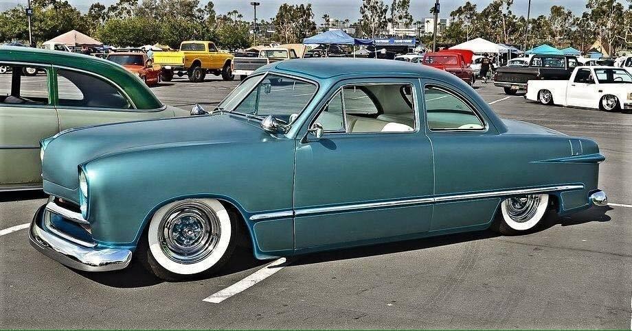 Ford 1949 - 50 - 51 (shoebox) custom & mild custom galerie - Page 27 49067510