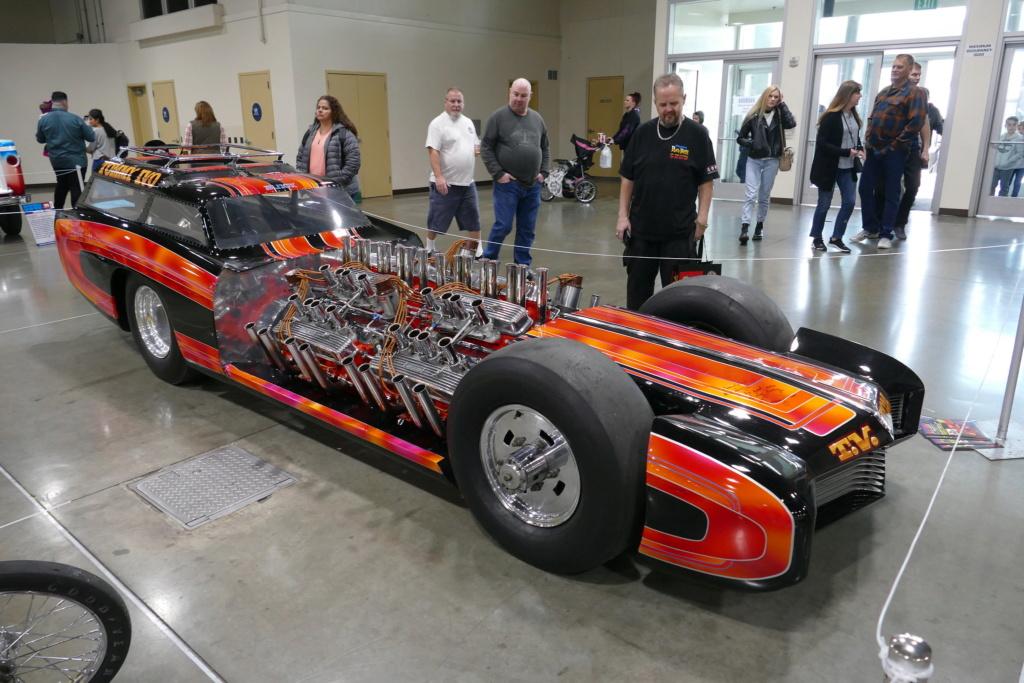 Tommy Ivo 'T.V.' Showboat - dragster with four (4) V8 49556311