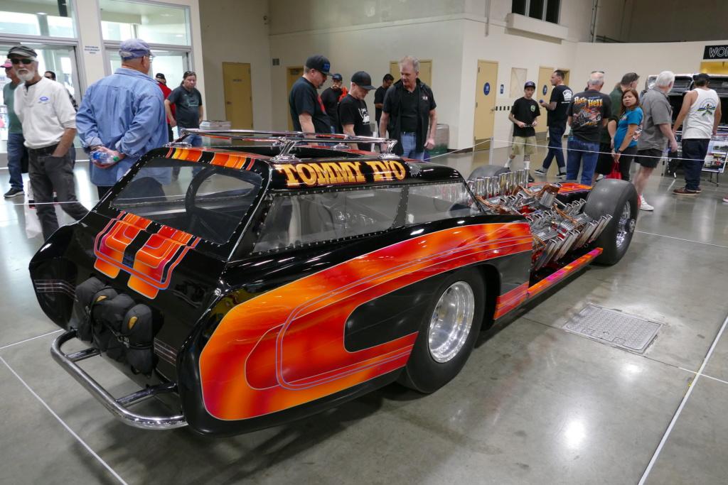 Tommy Ivo 'T.V.' Showboat - dragster with four (4) V8 49556810