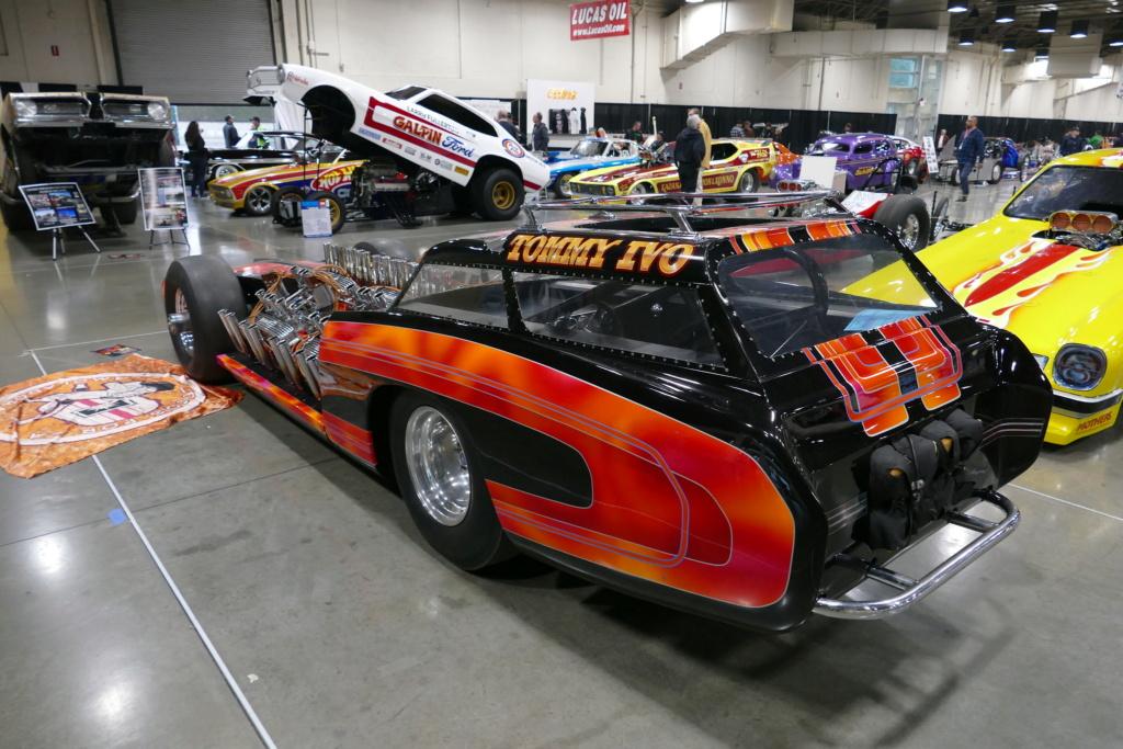 Tommy Ivo 'T.V.' Showboat - dragster with four (4) V8 49556815