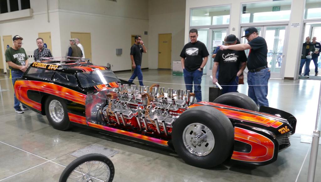 Tommy Ivo 'T.V.' Showboat - dragster with four (4) V8 49557111