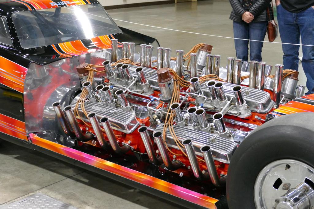 Tommy Ivo 'T.V.' Showboat - dragster with four (4) V8 49557112