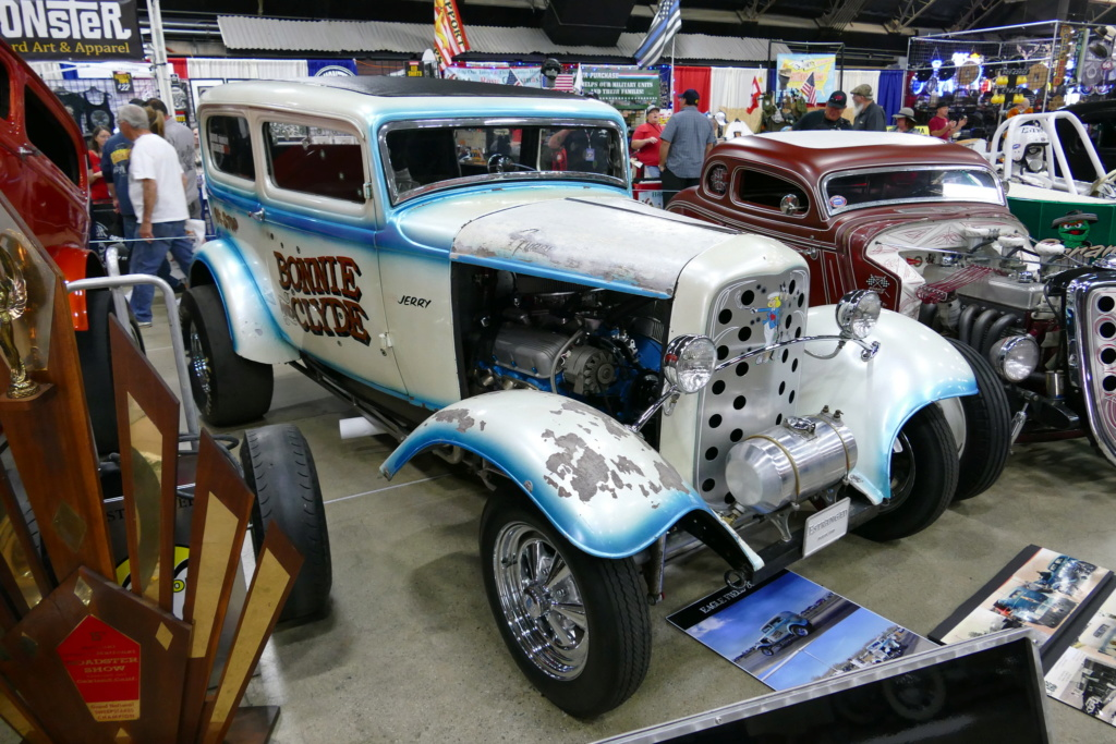 """The """"Bonnie and Clyde"""" 1932 Ford drag sedan, built in the late 50s 49669217"""