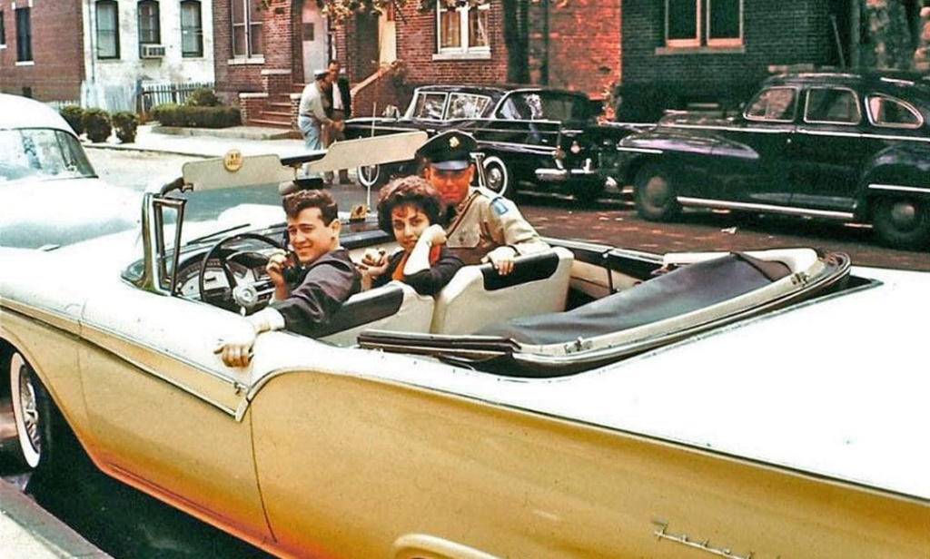 Rues fifties et sixties avec autos - 1950's & 1960's streets with cars - Page 5 50916910