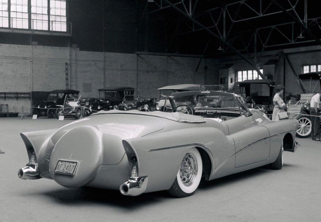 Vintage Car Show - Page 22 52097210