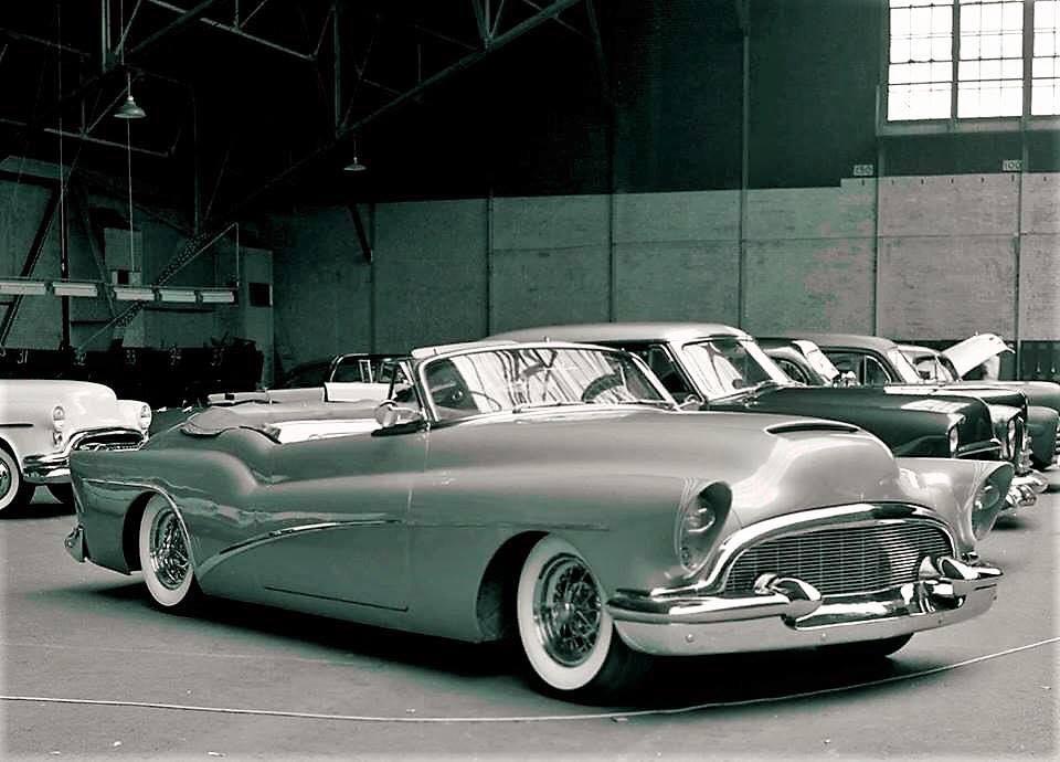 Vintage Car Show - Page 22 52633010