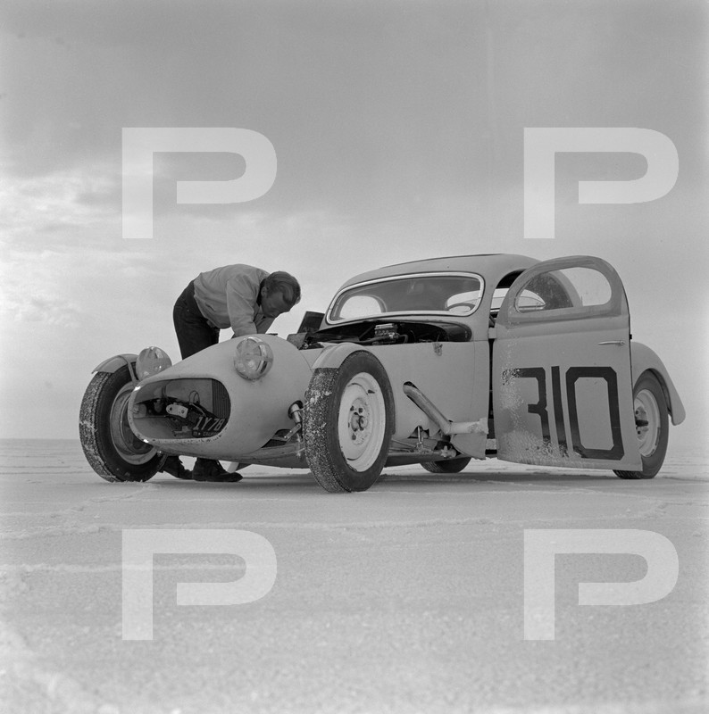 1954 6th Annual Bonneville National Speed Trials - Archives Petersen 53557810