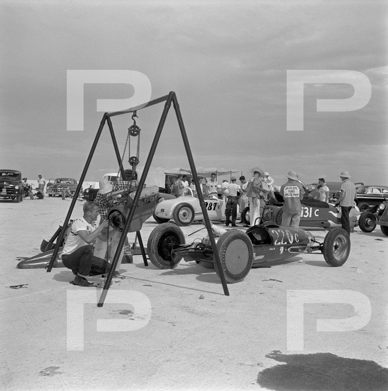 1954 6th Annual Bonneville National Speed Trials - Archives Petersen 53621110