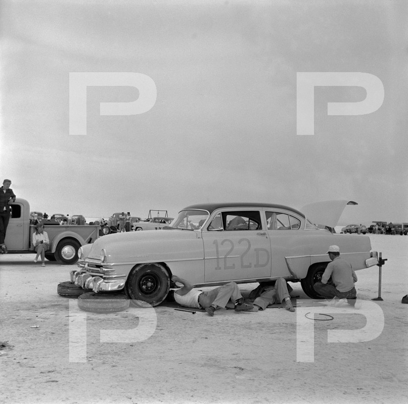 1954 6th Annual Bonneville National Speed Trials - Archives Petersen 53658910