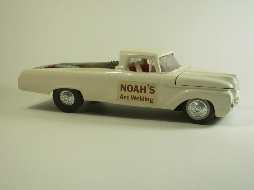 Vintage built automobile model kit survivor - Hot rod et Custom car maquettes montées anciennes - Page 12 53733310
