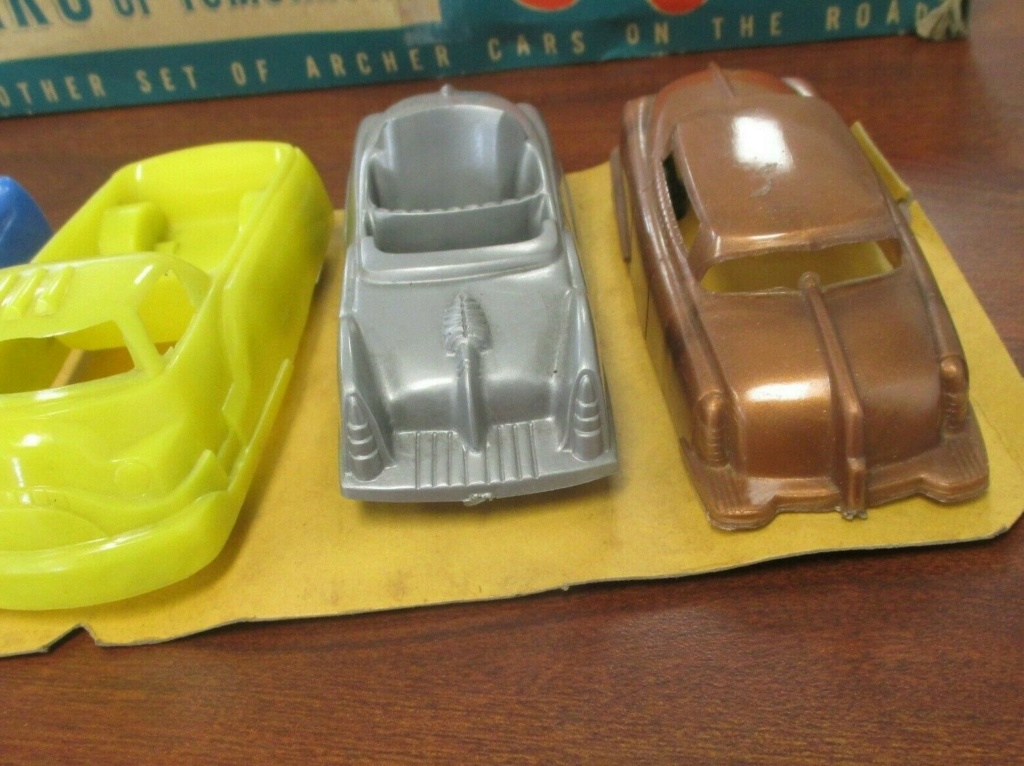 Cars of tomorrow -  plastic futuristic car - early 1950s - archer 541