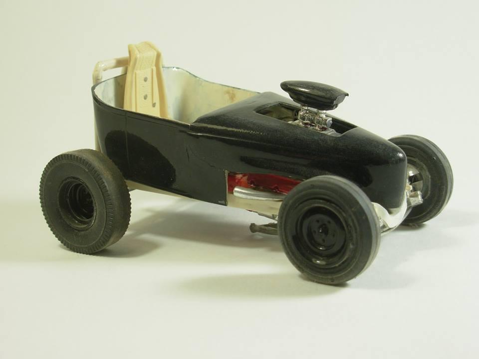 Vintage built automobile model kit survivor - Hot rod et Custom car maquettes montées anciennes - Page 12 54517410