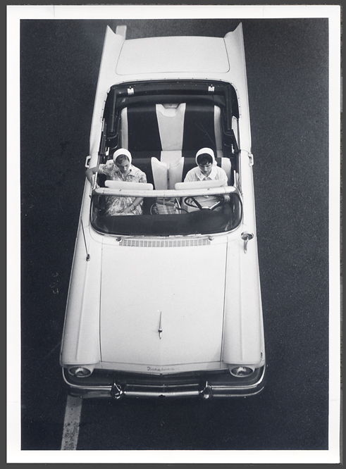 fifties & early sixties cars in situation - Vintage pics - Page 3 54_57_10
