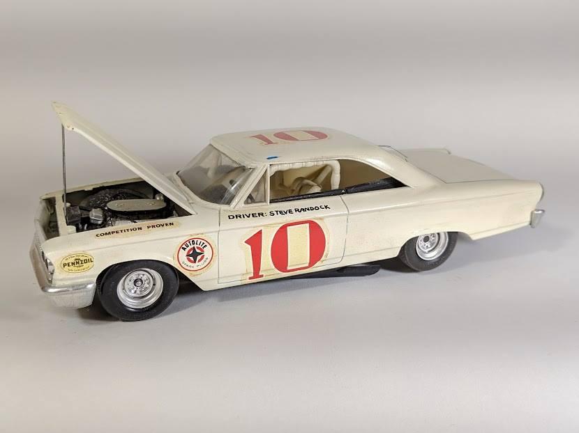 Vintage built automobile model kit survivor - Hot rod et Custom car maquettes montées anciennes - Page 12 55594210