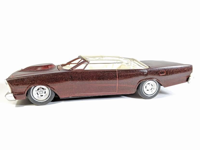 Vintage built automobile model kit survivor - Hot rod et Custom car maquettes montées anciennes - Page 12 55719410
