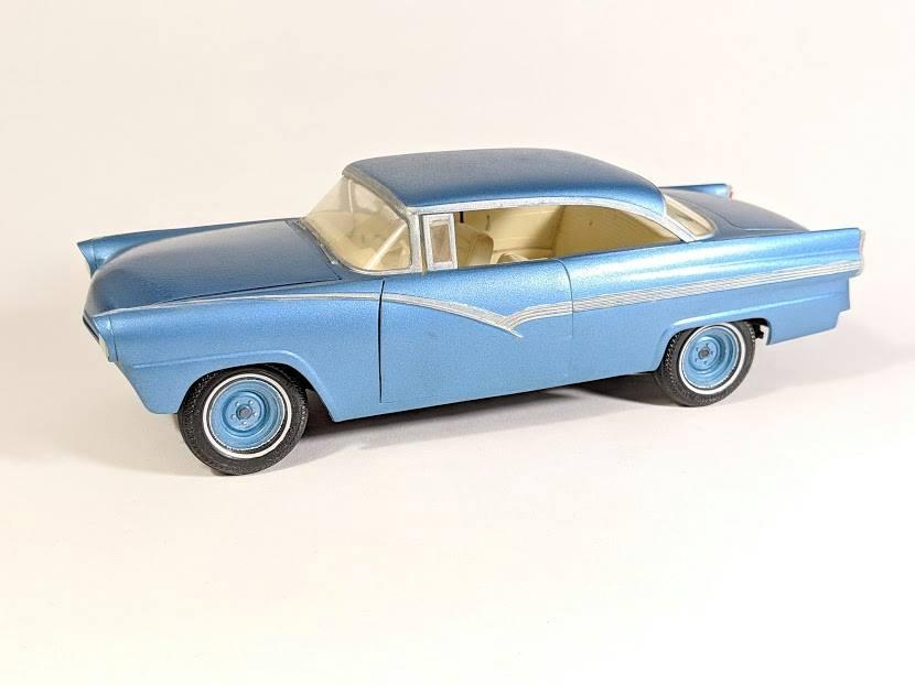 Vintage built automobile model kit survivor - Hot rod et Custom car maquettes montées anciennes - Page 12 55726410