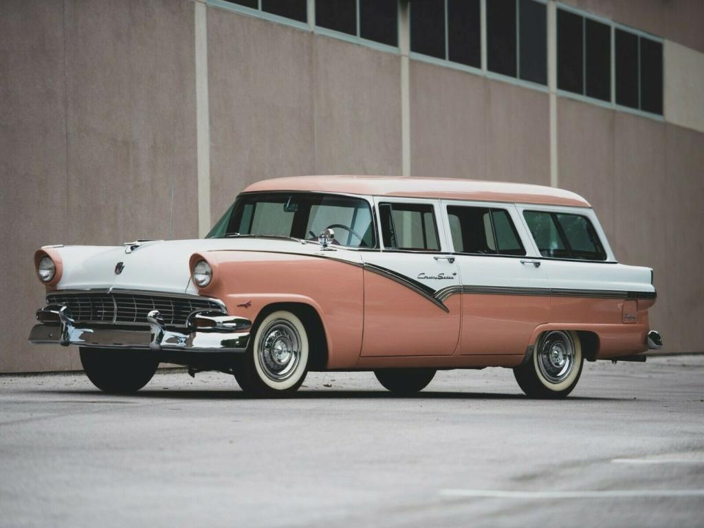 Ford: 1956 Eight Passenger Country Sedan 5611