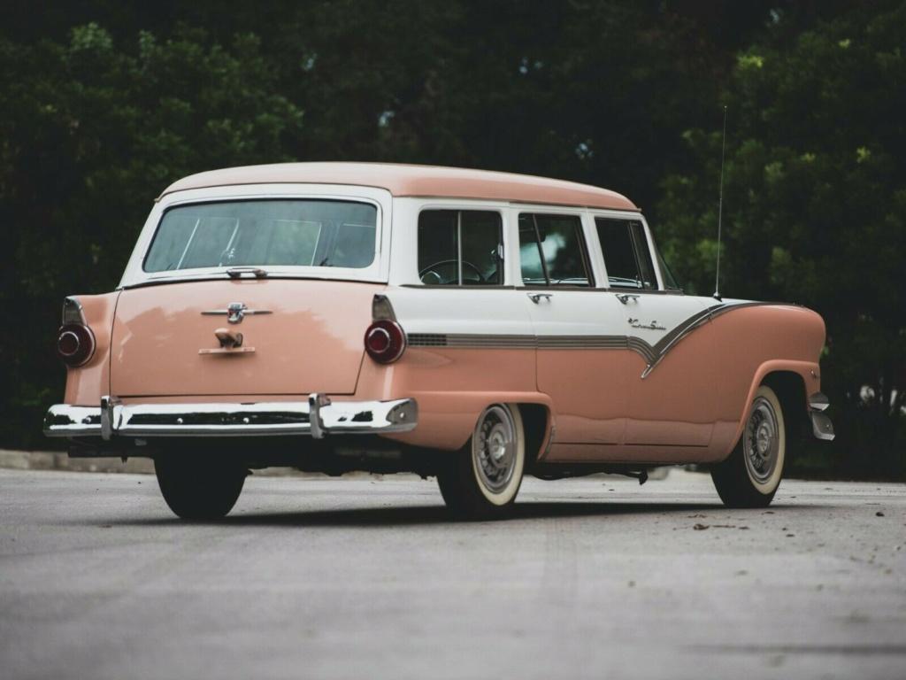 Ford: 1956 Eight Passenger Country Sedan 56110