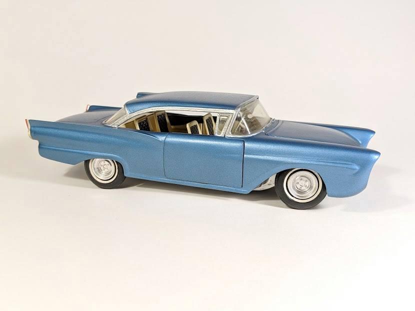 Vintage built automobile model kit survivor - Hot rod et Custom car maquettes montées anciennes - Page 12 56213710